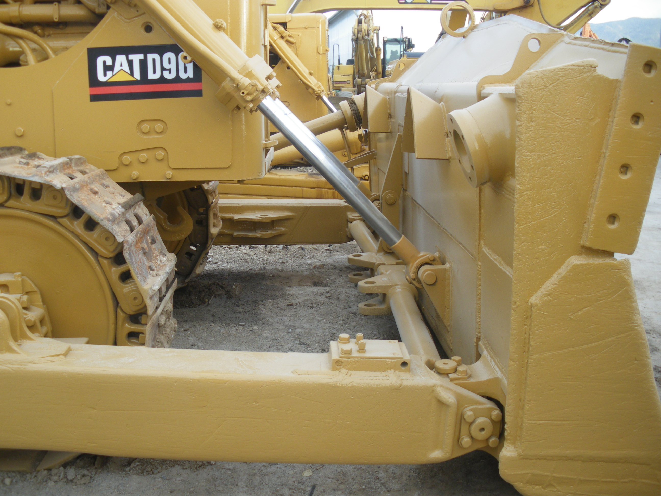 CATERPILLAR D 9 G BULLDOZER